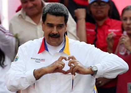"""La delegación de Maduro llega a Barbados para continuar el """"diálogo de paz"""" con la oposición"""