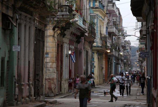 """Cuba condena las últimas medidas de EEUU y recalca que su solidaridad con Venezuela """"no es negociable"""""""
