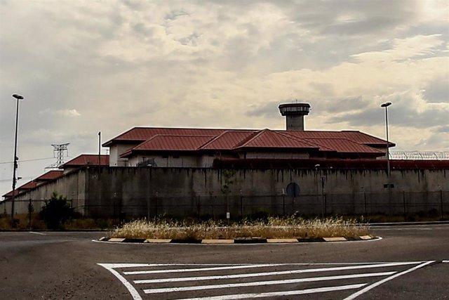 Imágenes del Centro Penitenciario Madrid III  ( km. 4,5, Ctra. Pinto-San Martin de la Vega, 28340 Valdemoro, Madrid), donde se tiene previsto que pernocten los presos independentistas tras su traslado de la prisión de Soto del Real.