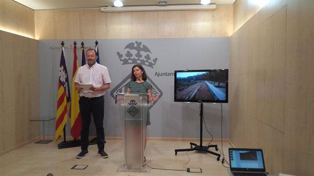 La regidora de Modelo de Ciudad, Vivienda Digna y Urbanismo del Ayuntamiento de Palma, Neus Truyol, en rueda de prensa.