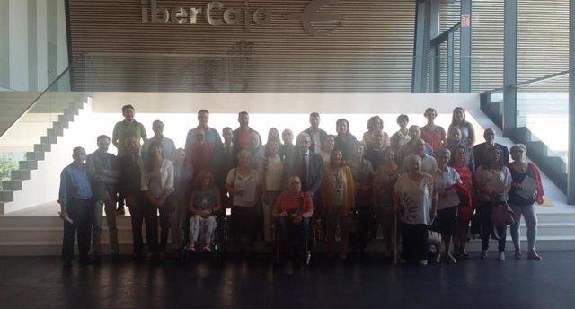 Las fundaciones CB e Ibercaja firman convenios con una treintena de asociaciones