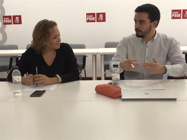 Mayte Pérez y Darío Villagrasa, en la rueda de prensa que se ha celebrado este martes en la sede del PSOE Aragón