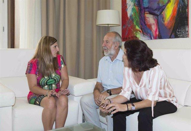 Irene García reunida con los representantes de los sindicatos UGT y CCOO