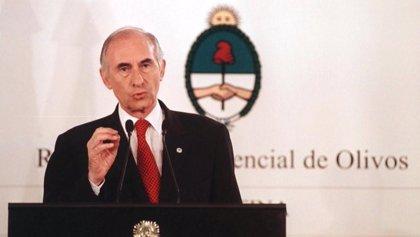 De la Rúa, el presidente de la peor crisis económica de Argentina y del 'corralito'