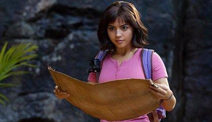Isabela Moner, exploradora intrépida en el tráiler de Dora y la ciudad perdida
