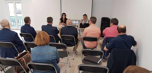 La alcaldesa de Piélagos, Verónica Samperio, ha abierto el encuentro