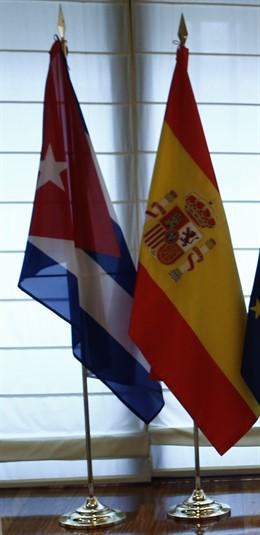 Banderas de Cuba y España