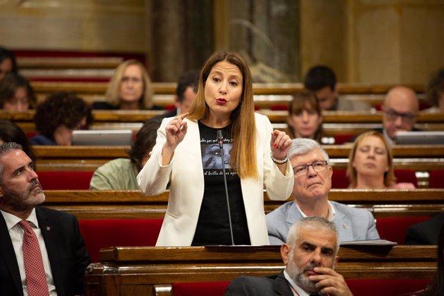 La portaveu de Ciutadans al Parlament de Catalunya, Sonia Sierra, intervé des del seu escó en una sessió plenària.