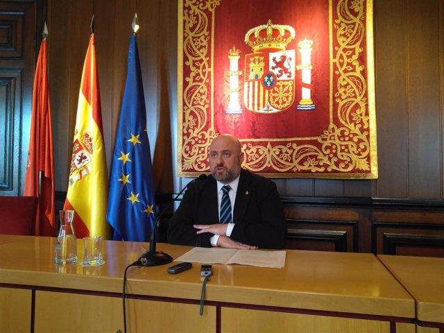 El delegado del Gobierno en Navarra en funciones, José Luis Arasti