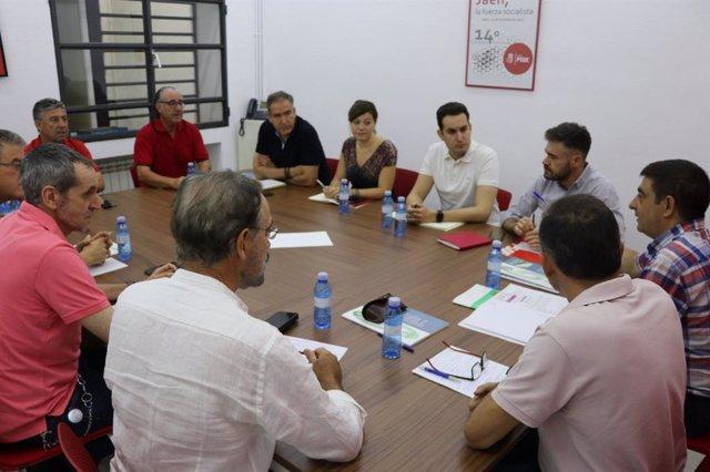 Reunión del PSOE con el comité de empresa de Adif