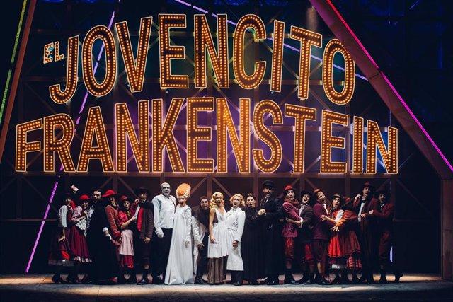 Escena de la obra de teatro 'El jovencito Frankenstein'
