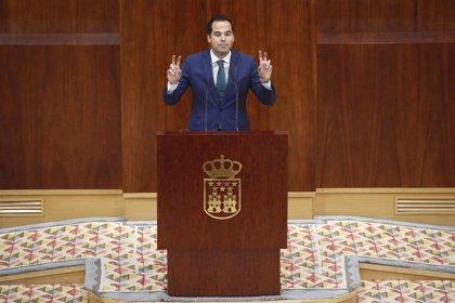 """Aguado pide a Vox que """"rectifique"""" y no apoyará a PSOE, que está con uno que piensa en Lenin y otra que """"ataca cajeros"""""""