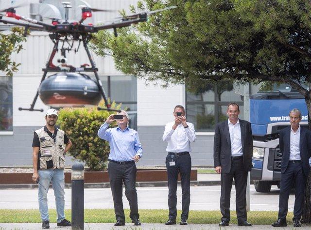 Seat implementa la entrega de componentes por dron en su planta de Martorell