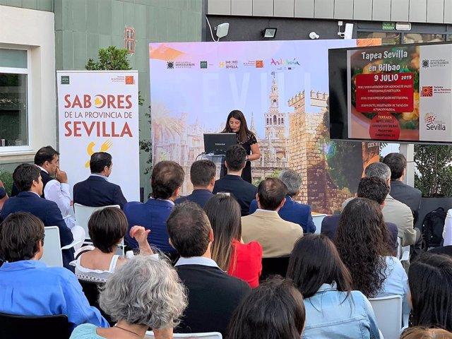 Agripina Cabello, presidenta de Prodetur, en Bilbao.
