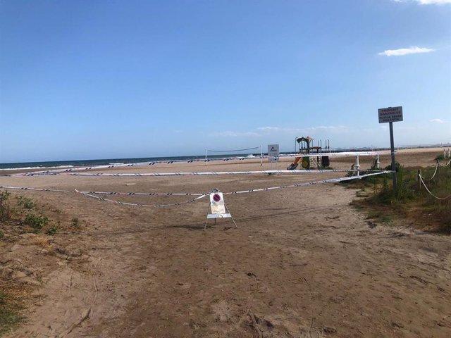 Playa de Massamagrell cerrada al baño por la presencia de bacterias