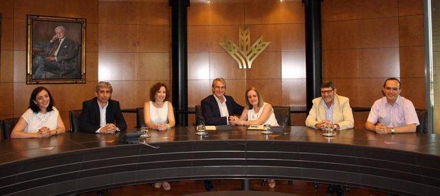 Firma del convenio en Granada para dar ventajas fiscales a las cooperativas de trabajo