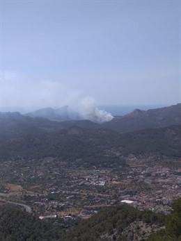 Imatge de l'incendi forestal declarat en Cala en Basset (Andratx).