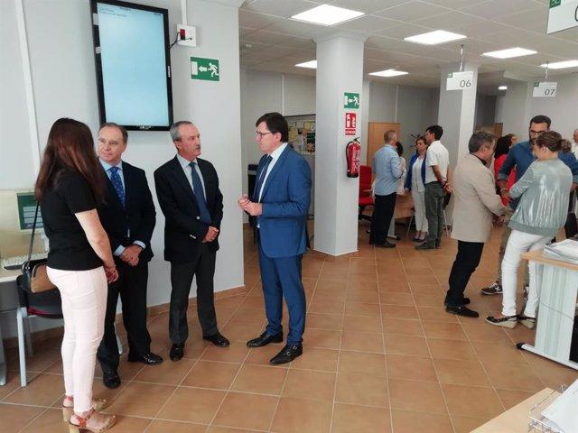 Inauguración de la nueva Oficina de Empleo en Puebla de Guzmán.