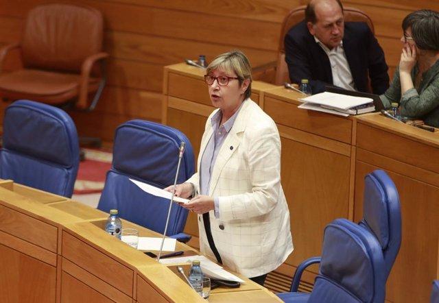 La conselleira do Mar, Rosa Quintana, comparece en el Parlamento de Galicia.