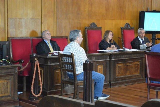 Xuízo en Ourense contra acusado de matar á súa muller no Carballiño.