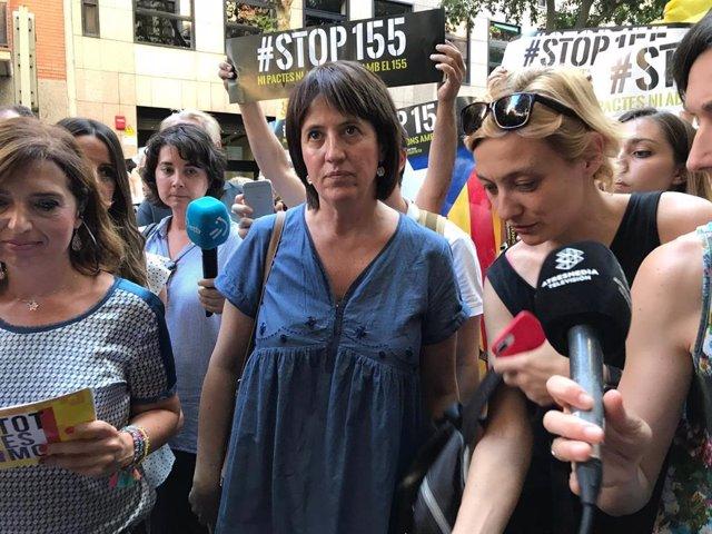 Elisenda Paluzie en declaraciones a los medios en la manifestación