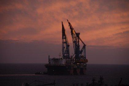 El riesgo por tormenta tropical en el Golfo de México paraliza la producción de varias petroleras estadounidenses