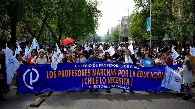 Los profesores de Chile se manifiestan.