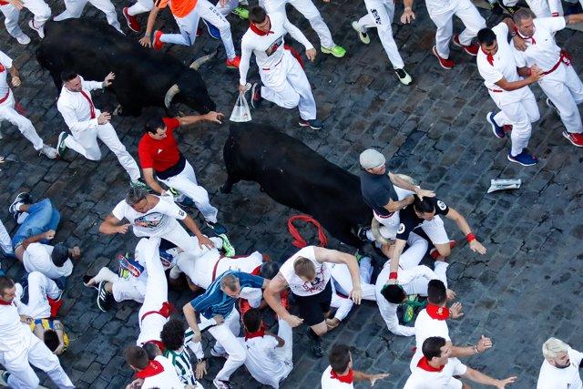 Quinto encierro de los Sanfermines de 2019 con toros de Victoriano del Río.