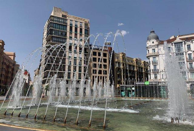 Calor en Valladolid. Plaza de Zorrilla.