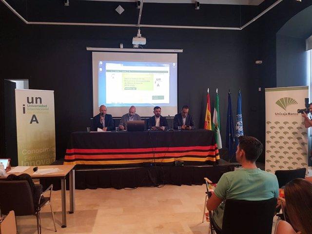 Una de las conferencias del encuentro protagonizada, entre otros por Ignacio Escolar