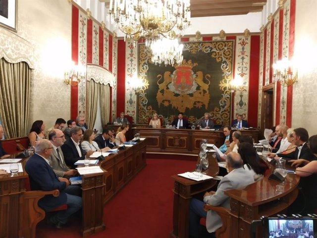 Pleno del Ayuntamiento de Alicante celebrado este jueves.