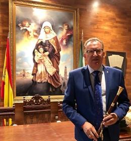 El alcalde de El Viso, el socialista Juan Díaz, en el Ayuntamiento del municipio.