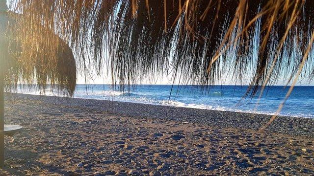 Playa Poniente, en una imagen de archivo.