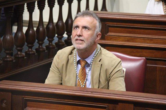 Ángel Víctor Torres, en el Parlamento
