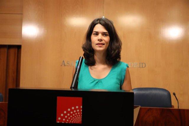 Imagen de Archivo de la portavoz de Unidas Podemos en la Asamblea de Madrid, Isa Serra.