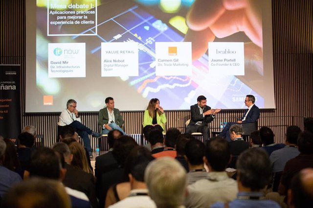 El director de Infraestructuras Tecnológicas de It Now, David Mir; el Digital Manager en España de Value Retail, Alex Nebot; la directora de Trade Mrketing de Orange, Carmen Gil; el co-fundador y CEO de beabloo, Jaume Portell; y el director territorial en