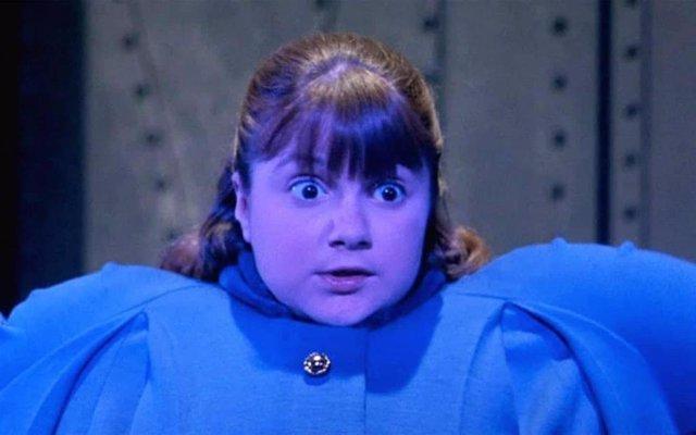Violeta en Un mundo de fantasía (Willy Wonka y la Fábrica de Chocolate)