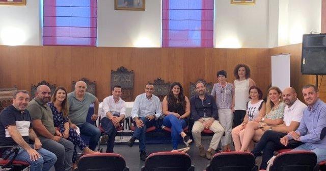 El secretario general del PSOE, Ignacio Caraballo, se reúne con alcaldes y alcaldesas de la Cuenca Minera.