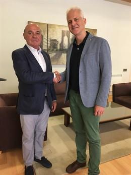 El alcalde de Logroño, Pablo Hermoso de Mendoza, reunido con el presidente de la Cámara de Comercio, Jaime García-Calzada