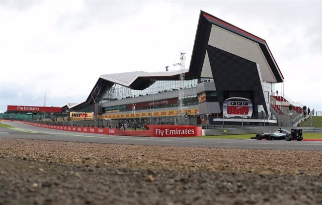 Lewis Hamilton (Mercedes) en Silverstone
