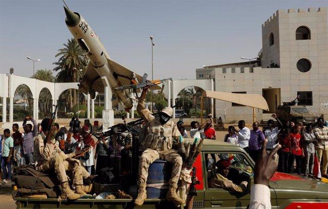 Militares en Jartum