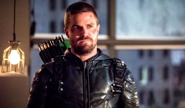 Stephen Amell es Arrow