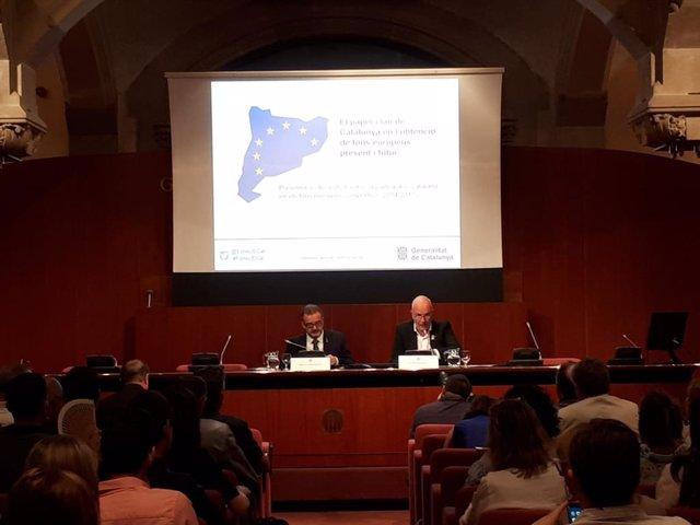 El consejero de Acción Exterior en Cataluña, Alfred Bosch y el secretario general de agricultura, David Mascort.