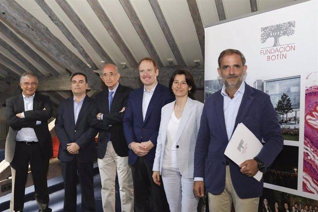 Iñigo Sáenz de Miera, director de la Fundación Botín, presenta junto a los directores de programas de la entidad, la Memoria 2018