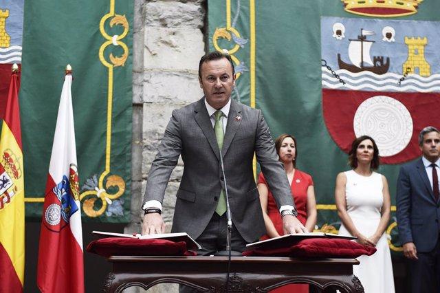 Guillermo Blanco dimitirá como diputado y será sustituido por Joaquín Arco