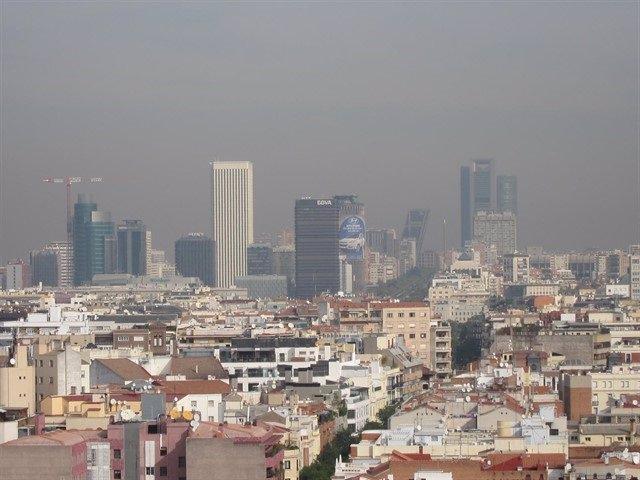 Imagen de recurso de contaminación en Madrid. Archivo.