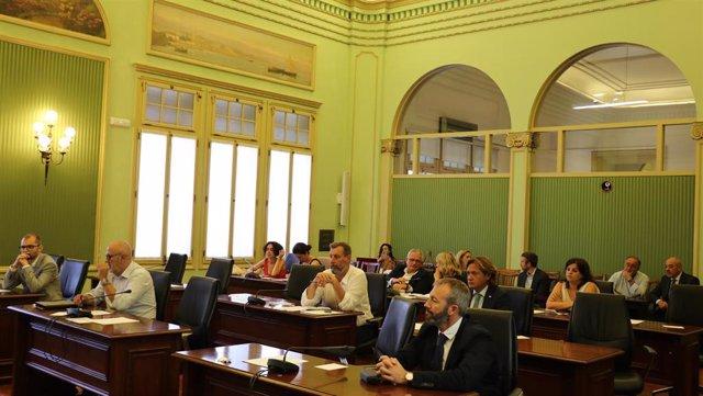 Una de las comisiones parlamentarias que se constituyeron este jueves.