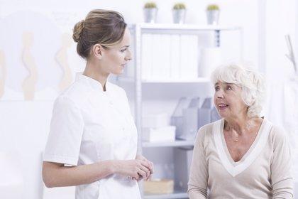Algunos síntomas físicos en las personas mayores pueden estar escondiendo una depresión