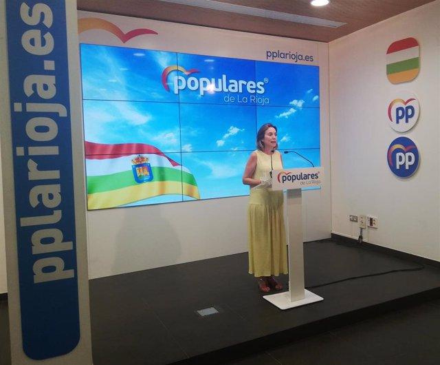 La diputada nacional del PP por La Rioja Cuca Gamarra, en rueda de prensa en la sede del partido