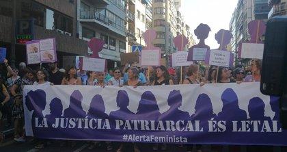 """Casi 100 entidades feministas firman un manifiesto donde afean al PP y Cs su """"renuncia"""" a la igualdad al pactar con Vox"""